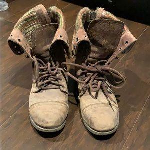 Adjustable height Steve Madden Boots